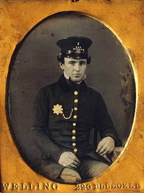 nyc policeman.jpg