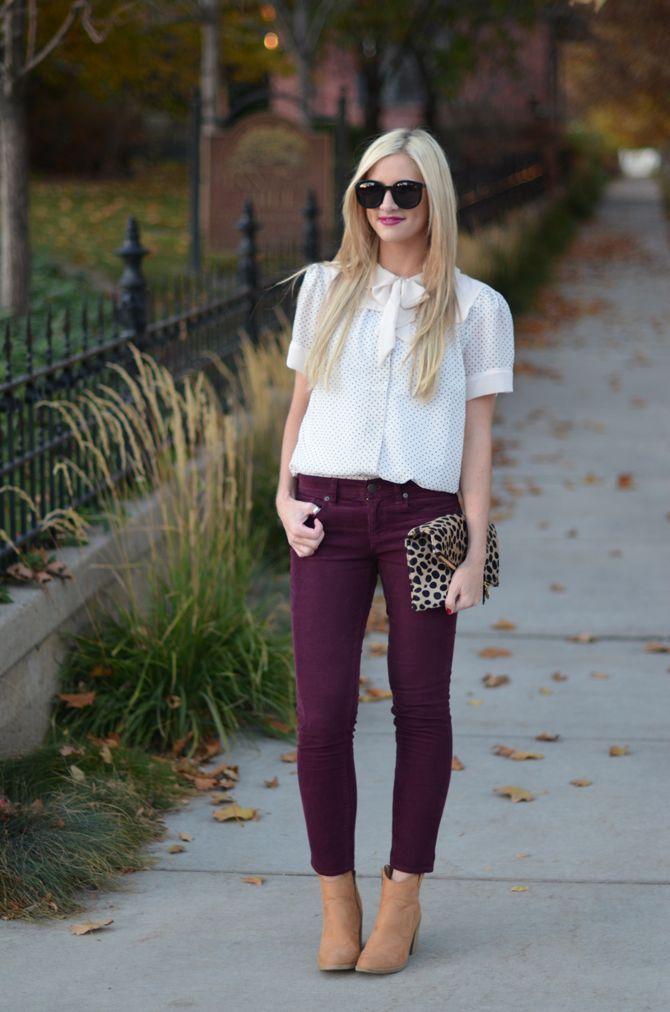How to wear burgundy skinny jeans