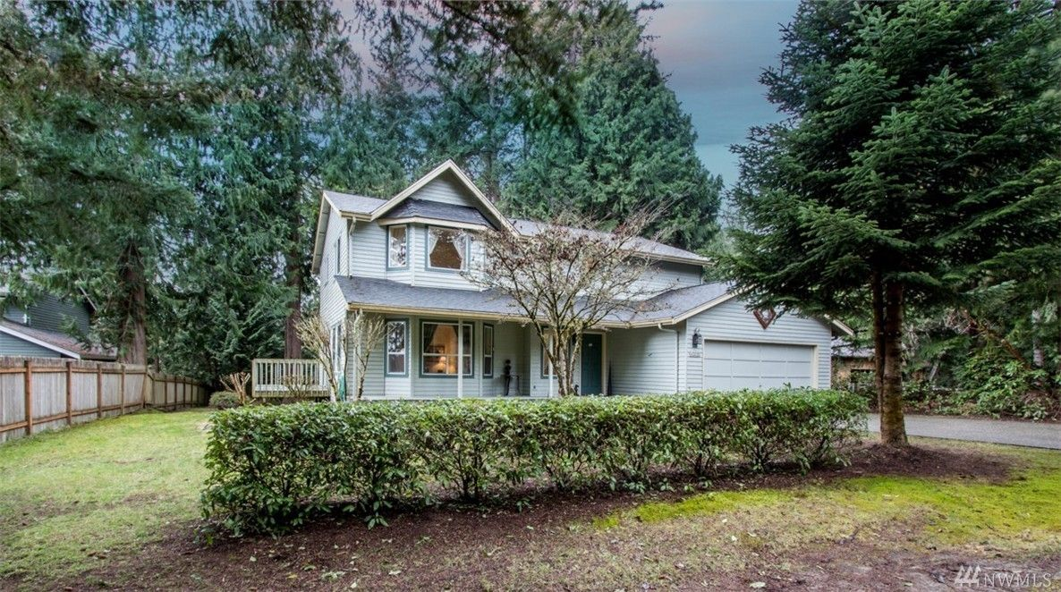 (NWMLS) For Sale: 3 bed, 2.5 bath, 2609 sq. ft. house located at 6215 Barrett Dr NE, Poulsbo, WA 98370 on sale now for $445,900. MLS# 1087026. Move right in to this mint condition home w/ a beautiful VIEW ...