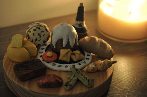 The Elder Scrolls V Skyrim Totems Nordic Feast Sweetroll Cheese Wheel Dumplings More Mini Sculptures Bookshelf Figurines
