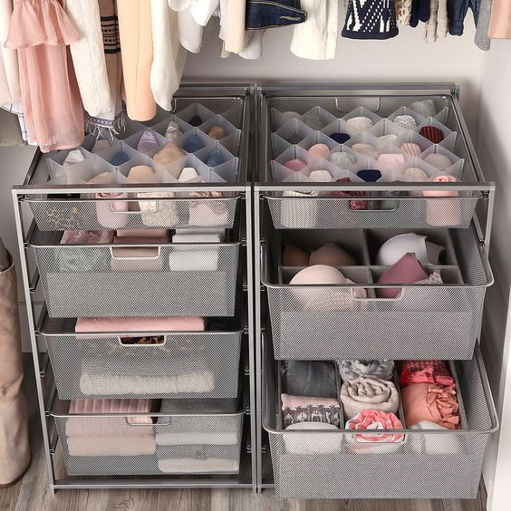 Women's Small Closet with Drawers | Remodelação quarto, Organização de armário, Organização de sala