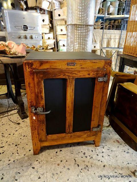 Brocante d coration un nouveau monde ancienne glaci re en bois brico transfo furniture - Meuble glaciere bois ...