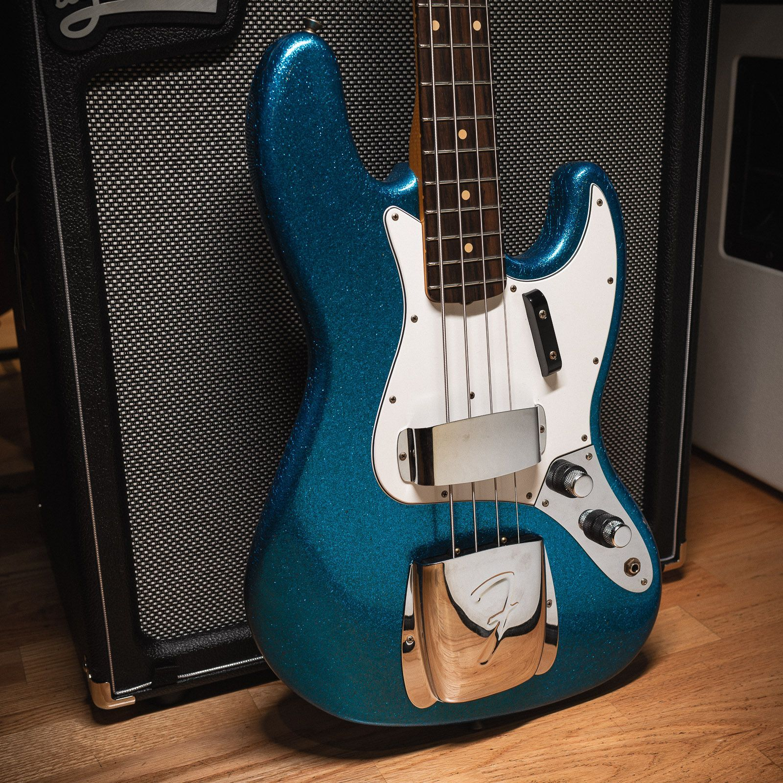 With Cme Spec Guitars Tone And Feel Are Everything But We Think They Look Pretty Good Too Chicagomusicexc In 2020 Fender Jazz Bass Fender Custom Shop Bass