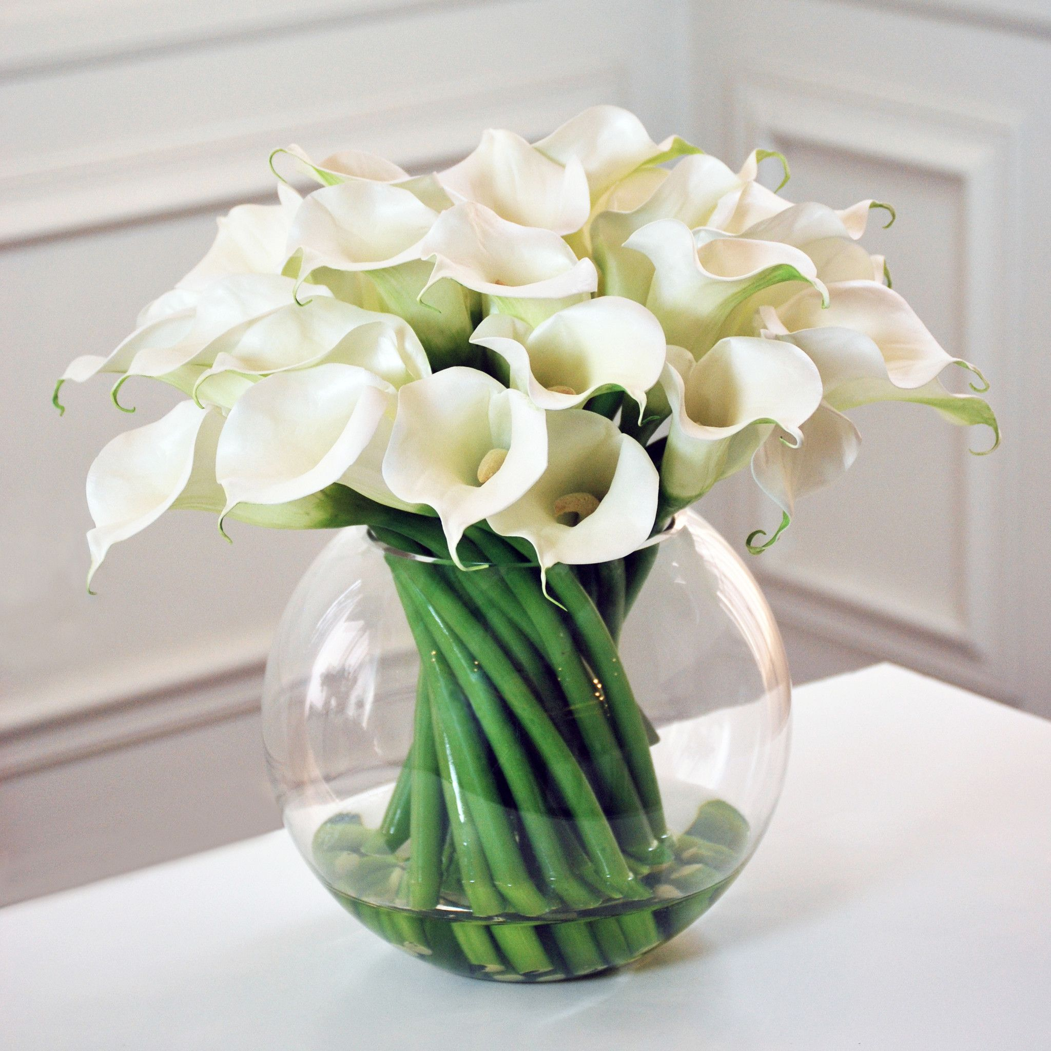 White arrangement flower hledat googlem bouquet pinterest white arrangement flower hledat googlem dhlflorist Images
