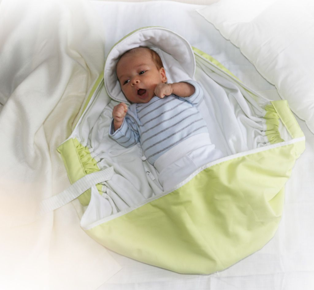 The smarter idea ever for babies! I want one... definetly!   O que é o PegaBebé?   PegaBebé