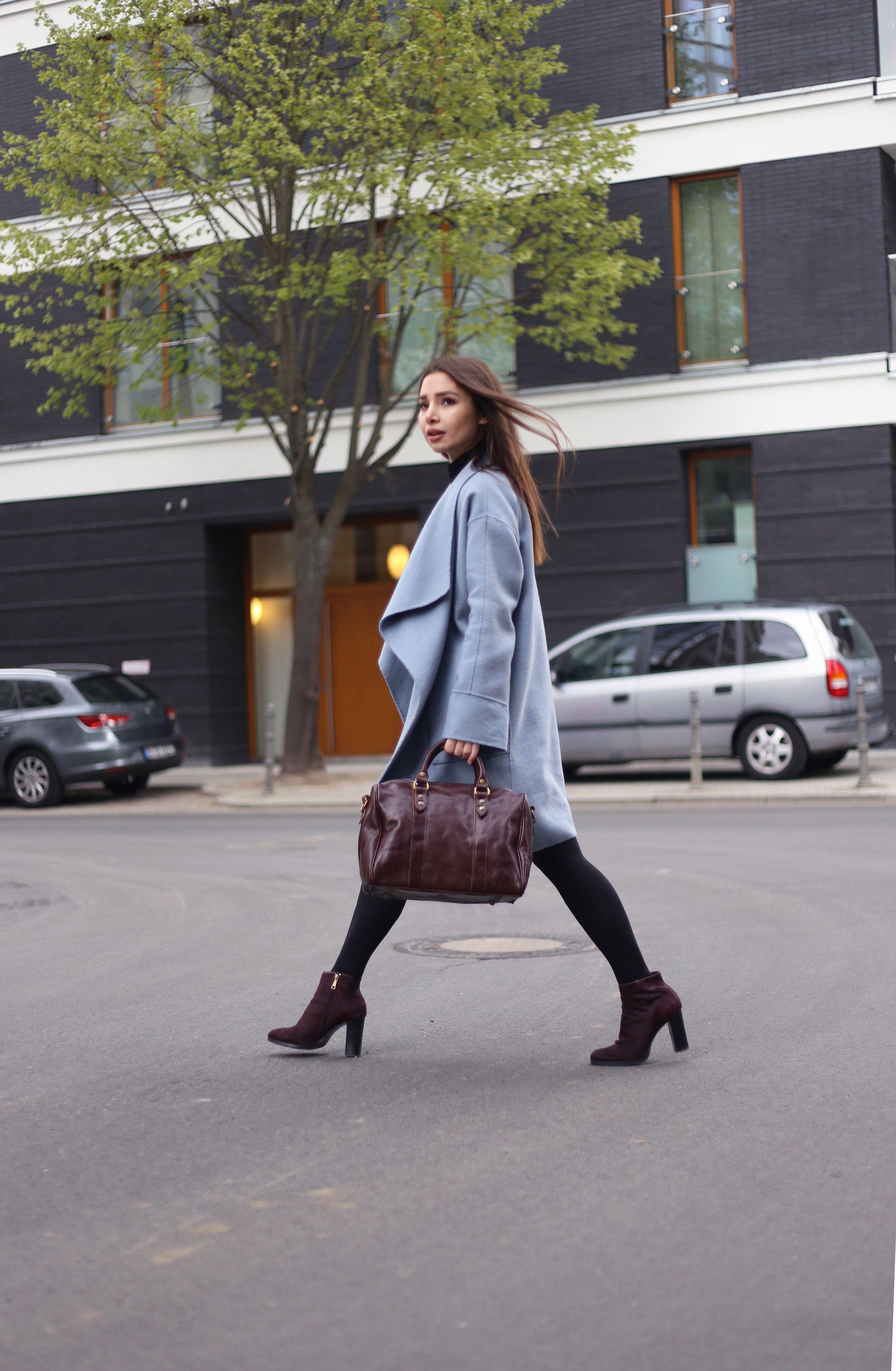 Catching #Streetstyle, catching #YOU! Richtig, brands4friends ist auf den Straßen von Berlin unterwegs und sucht euch feschen Damen und Herren! Diesmal haben wir die wunderschöne Aylin in Kreuzberg geshootet! Ein wunderschönes Pastell-Blau kombiniert zum bordeaux-braun. Wir sind total Feuer und Flamme  Und das Highlight: Die Tasche von Medici of Firenze gibt es sogar ab morgen (23.04.2017) in unserem Shop! Mehr dazu gibt es außerdem in unserem Magazin. #Streetstyle #Fashion #Model #Blogger…