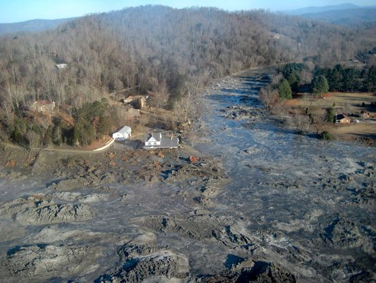 The Kingston, TN, coal ash spill  In 2008, residents all