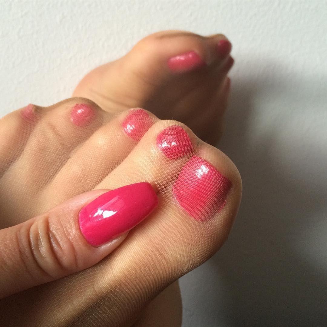 Pin On Pantyhose Feet