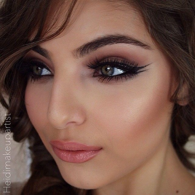 I don't usually like the winged liner but this looks really good.