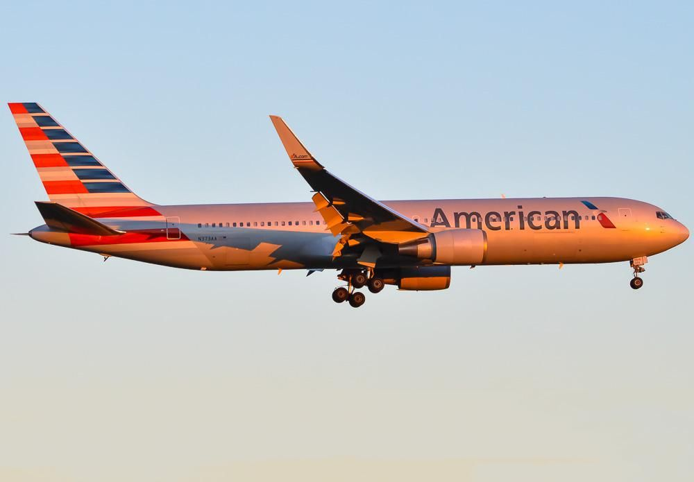 New American Airlines B767-323/ER wearing the old livery winglets during sunset landing.