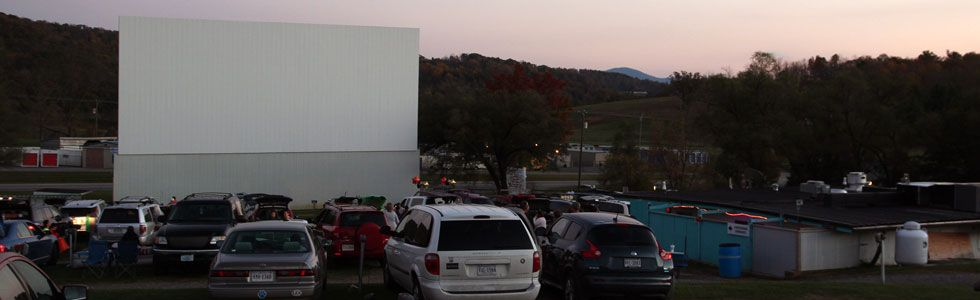12 Of Americas Most Classic Drive Ins Theater Drive In Movie