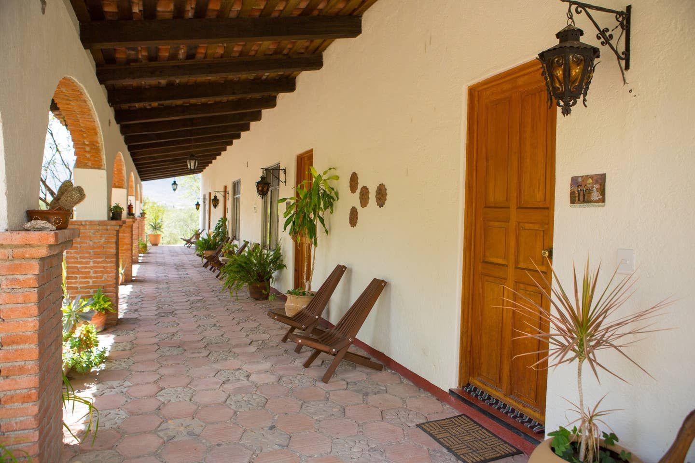 Casa Lyobaa Jacaranda Room Guesthouses for Rent in San