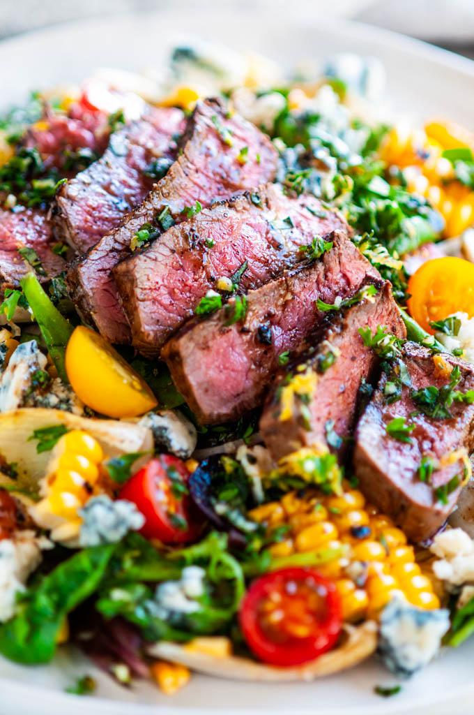 Balsamic Steak Gorgonzola Salad With Grilled Corn Aberdeen S Kitchen Recipe Grilled Dinner Summer Recipes Dinner Dinner Salads