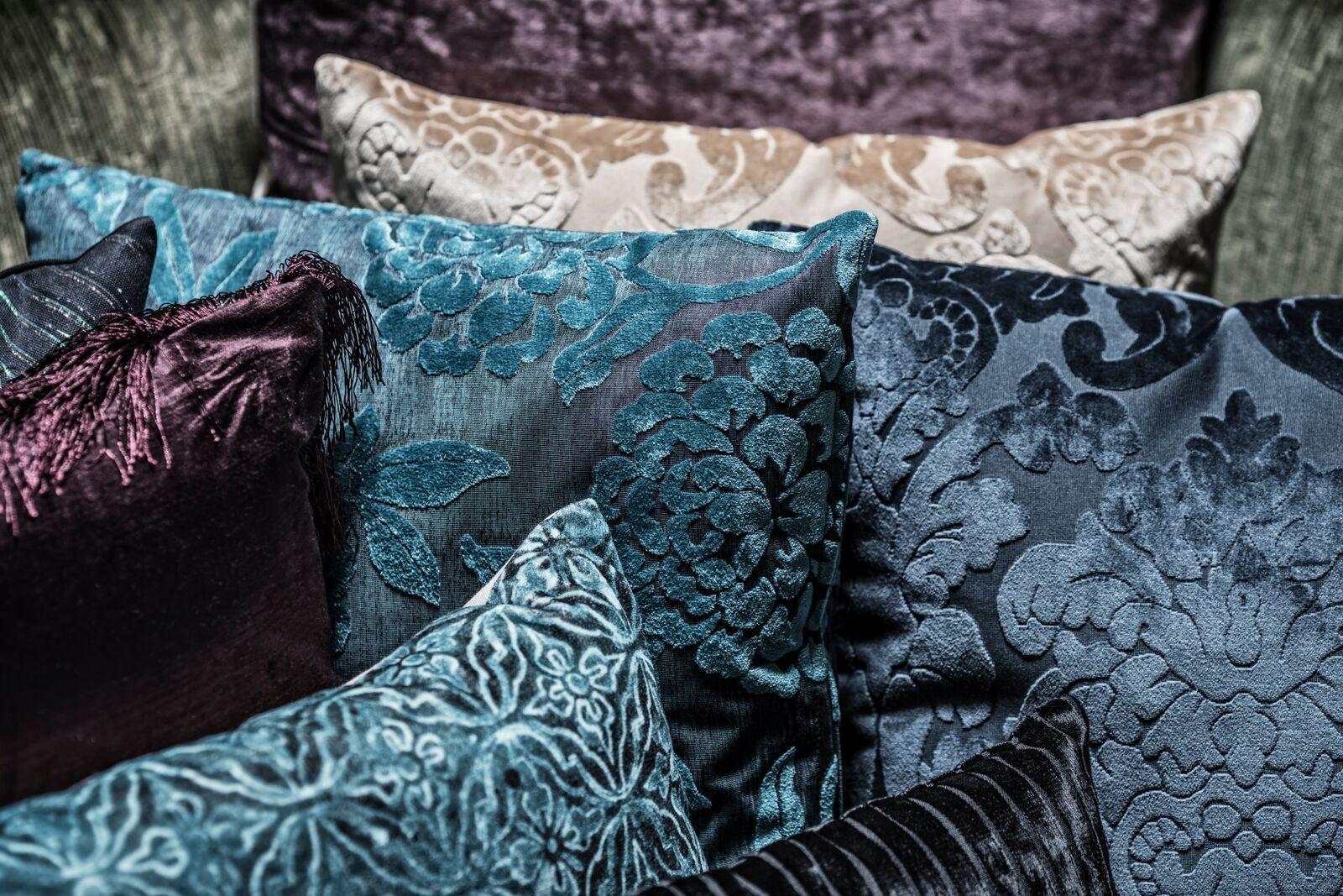Klassieke Interieur Accessoires : De combinatie van het patroon met de velvet stof geeft een klassieke