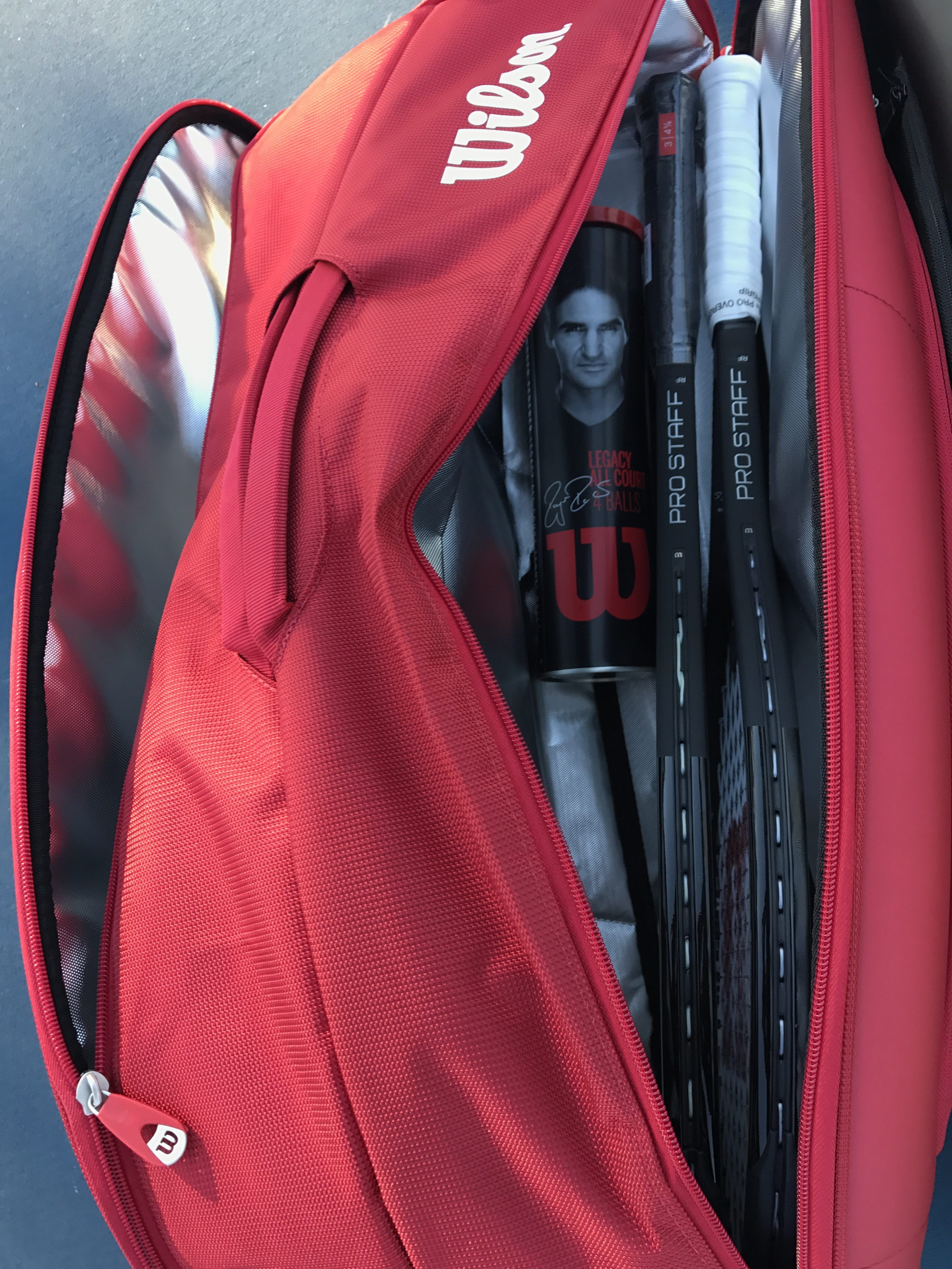 Whats In My Essential Wilson Dna 12 Bag Used By Roger Federer