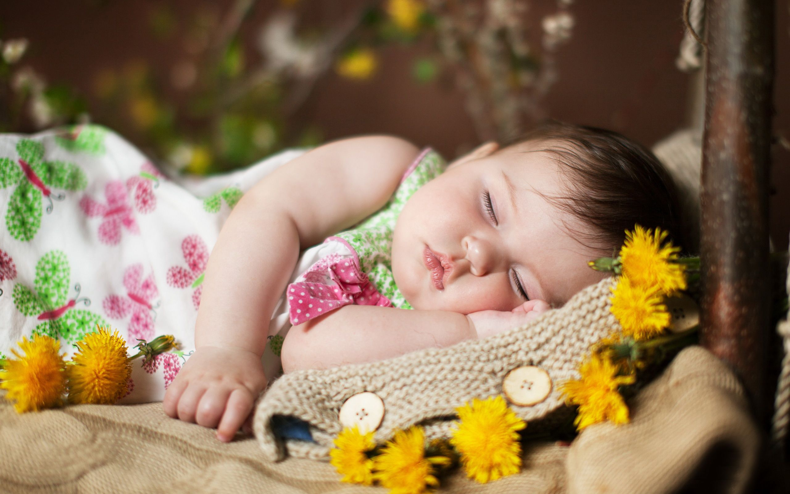 Cute Sleeping Baby Hd Wallpaper Dazzling Wallpaper Very Cute Baby Baby Beach Photos Baby Sleep
