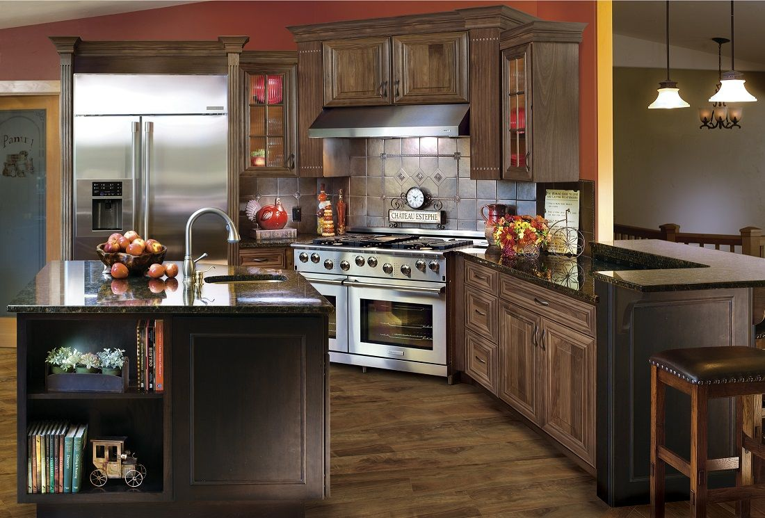 A Kitchen Rich In Luxury And Features Kitchen Cabinet Styles Kitchen Design Custom Kitchens Design