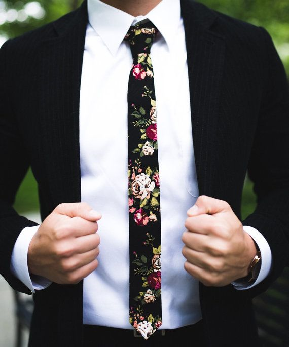 Size App: Length:145cm / 57 Inch ,Width :5cm /1.97 Inch Material: Linen Different patterns in each tie.