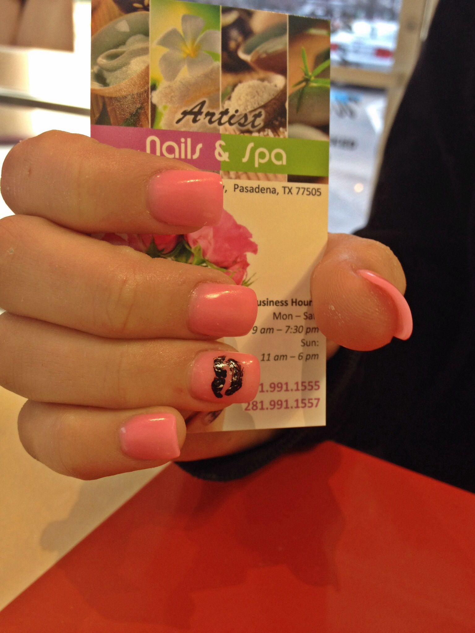 Pink nails with lips designs | ARTIST NAILS AND SPA | Pinterest ...