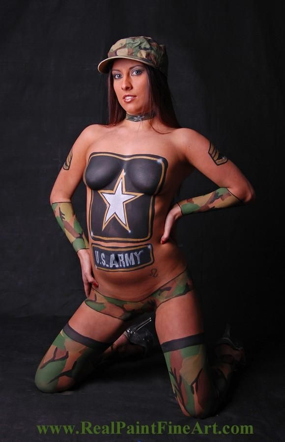 wemon nude body art