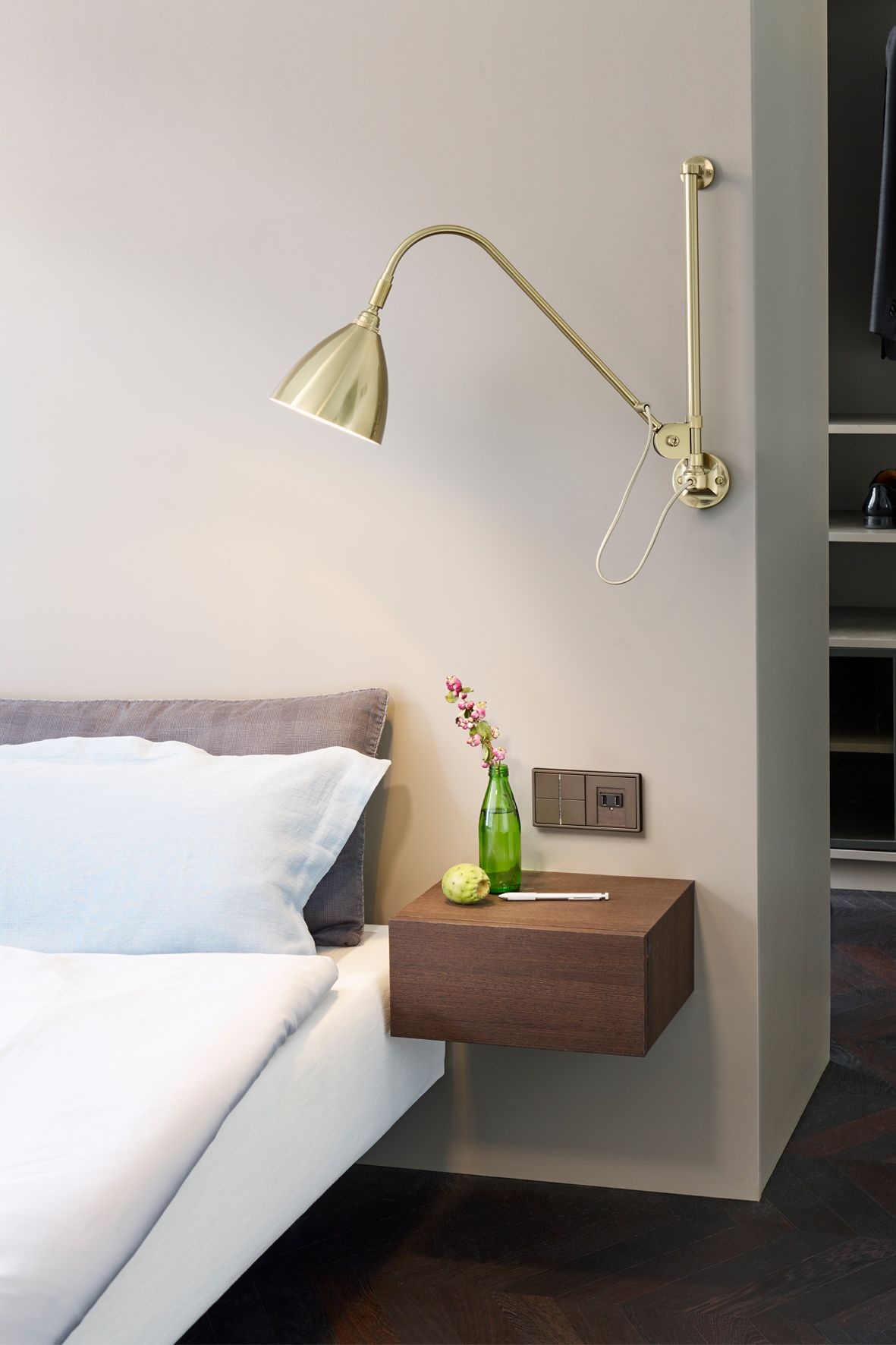 You Want To Feel At Home In The Hotel Bright Colours Soft Textiles Warm Wood And Selected Decoration Make This Room A Cosy Place To F