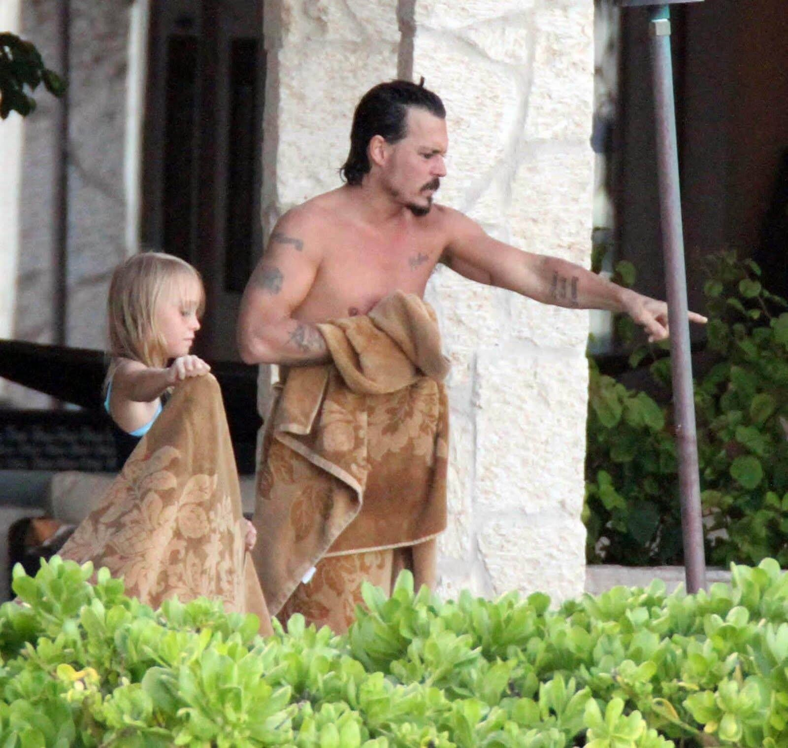 picture depp johnny naked