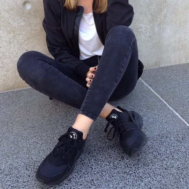 nike huarache black tumblr