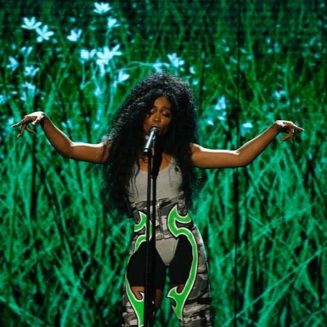 Singer #Sza taking #Ctrl of the #Bet stage #BETAwards2017