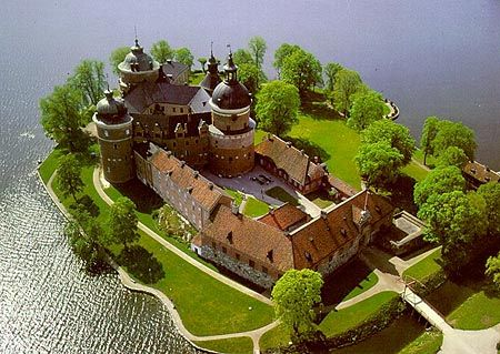 A Life Unsettled Pics Info Durmstrang Castle Layout Castle Estate Beautiful Castles Come here during break or spare time. castle layout
