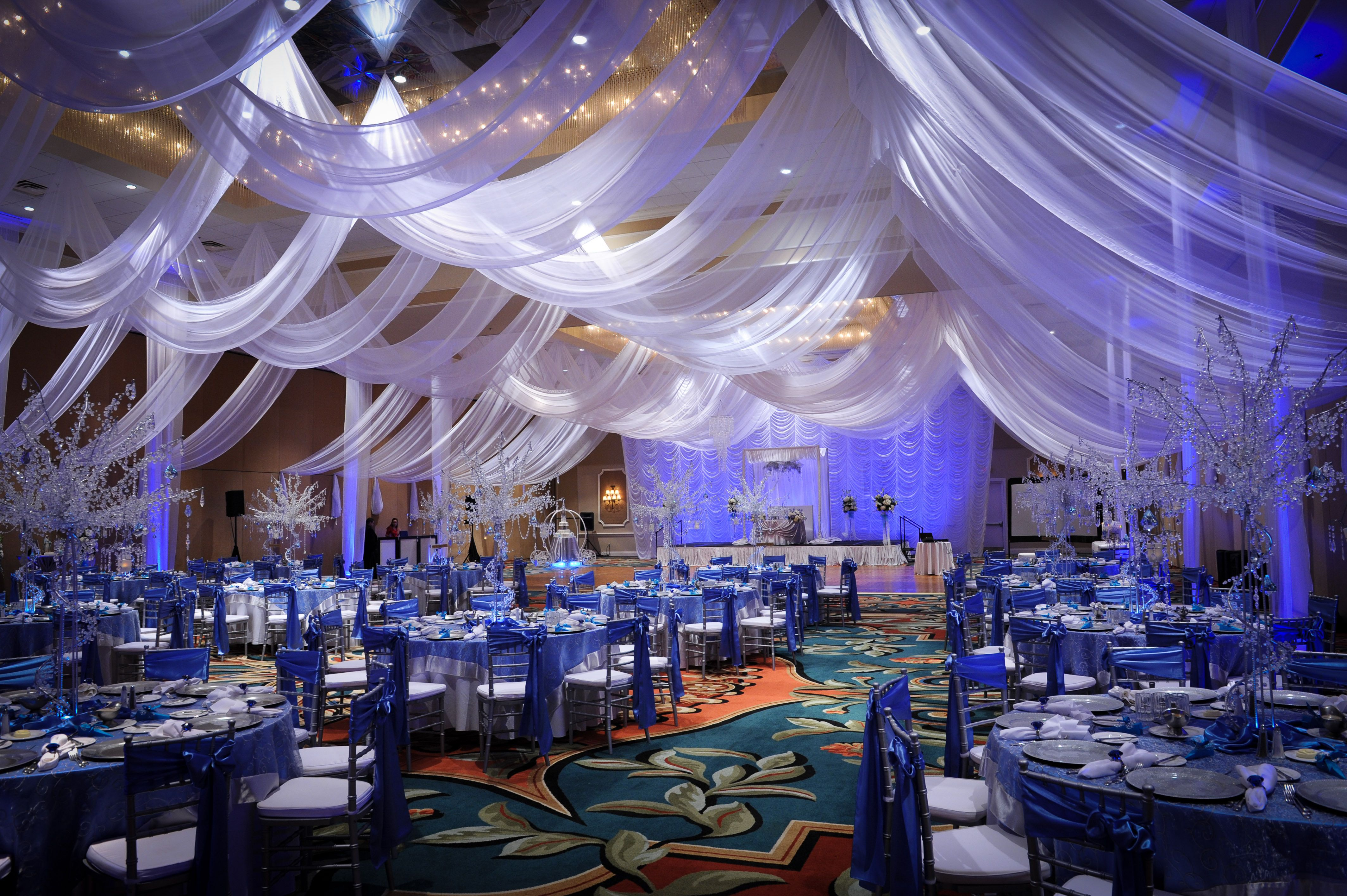 how to design a wedding reception with a midnight blue silver