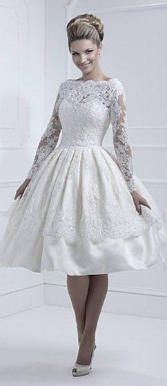 aba994f275a Brudklänning - BröllopsGuiden | WEDDING GOWNS AND ATTIRE THAT MAKE A ...