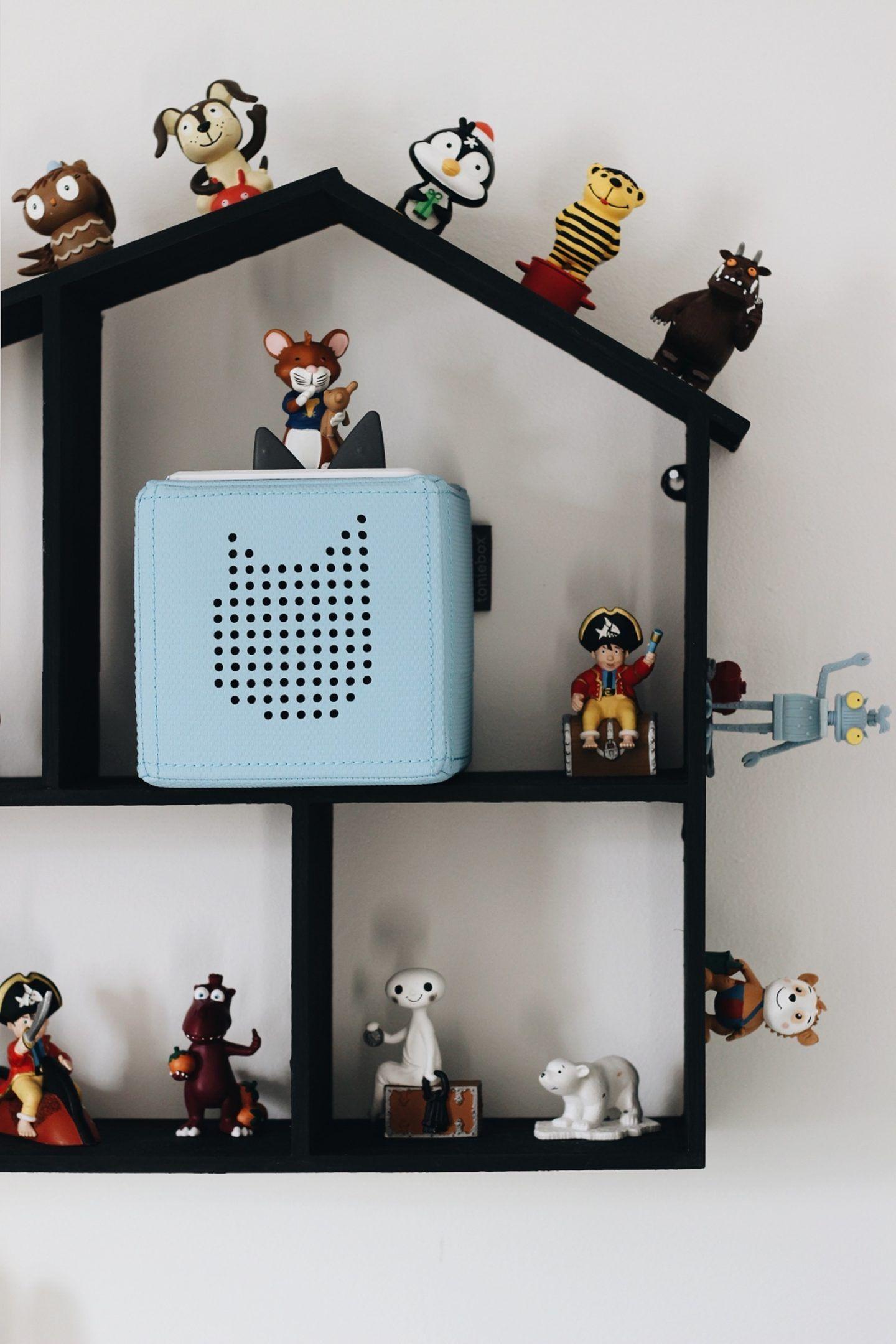 DIY + KIDSLIFE | Selbstgemachte Aufbewahrung für Tonies: Toniehäuschen mit Magnetlack