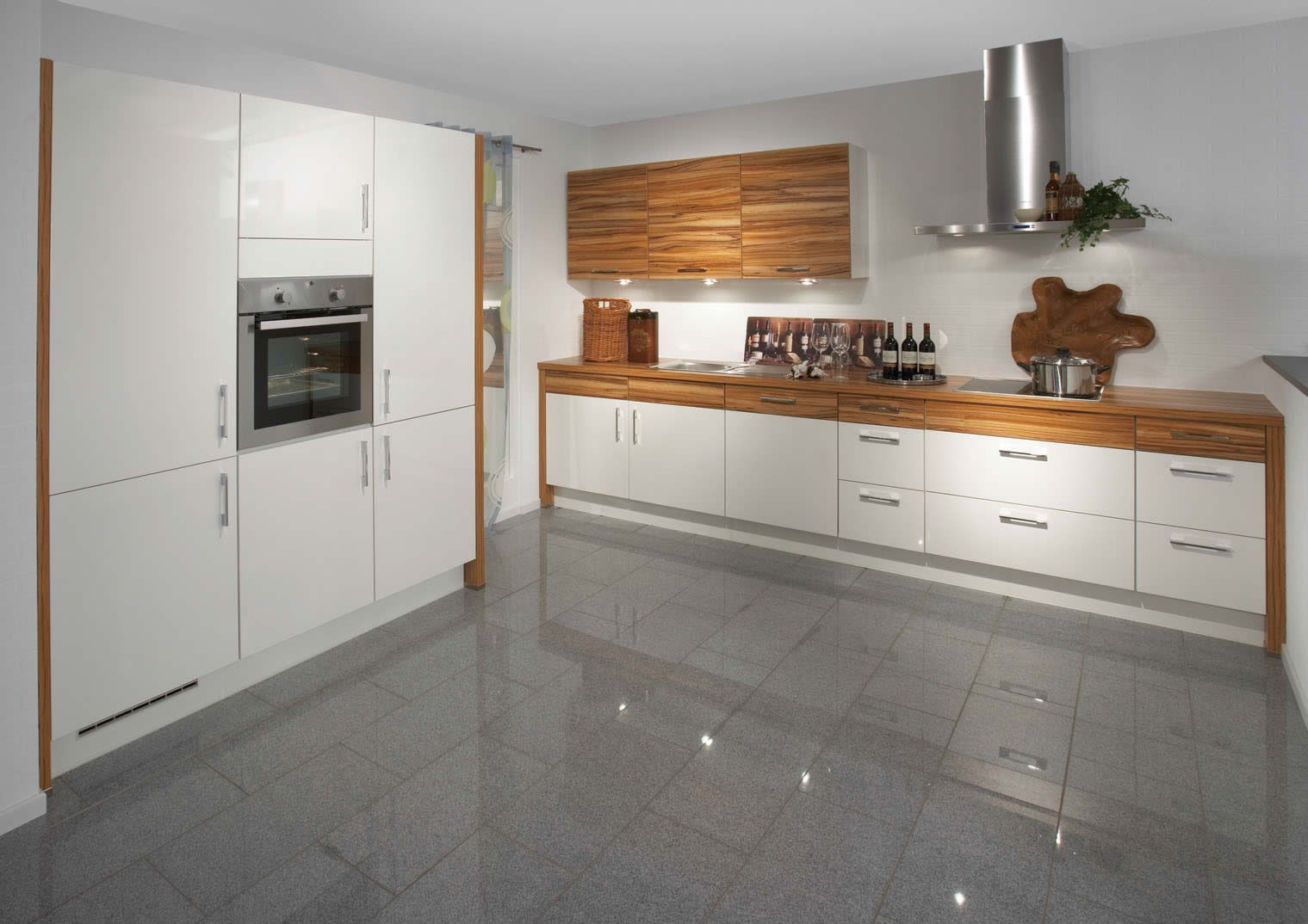 High gloss white kitchen google search kitchen reno flooring high gloss white kitchen google search dailygadgetfo Images