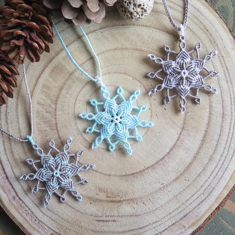 I Made Some Micro Macrame Snowflake Necklaces Crafts Micro Macrame Macrame Patterns Macrame Tutorial