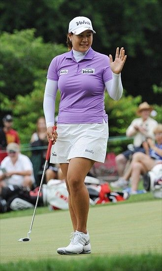 Golf: Jee Young Lee Leads at LPGA Founders Cup