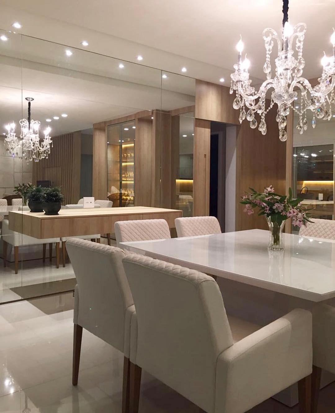 Artesanato Indiano Em Madeira ~ Sala de jantar belíssima Destaque para a alvenaria revestida em espelho e aparador suspenso
