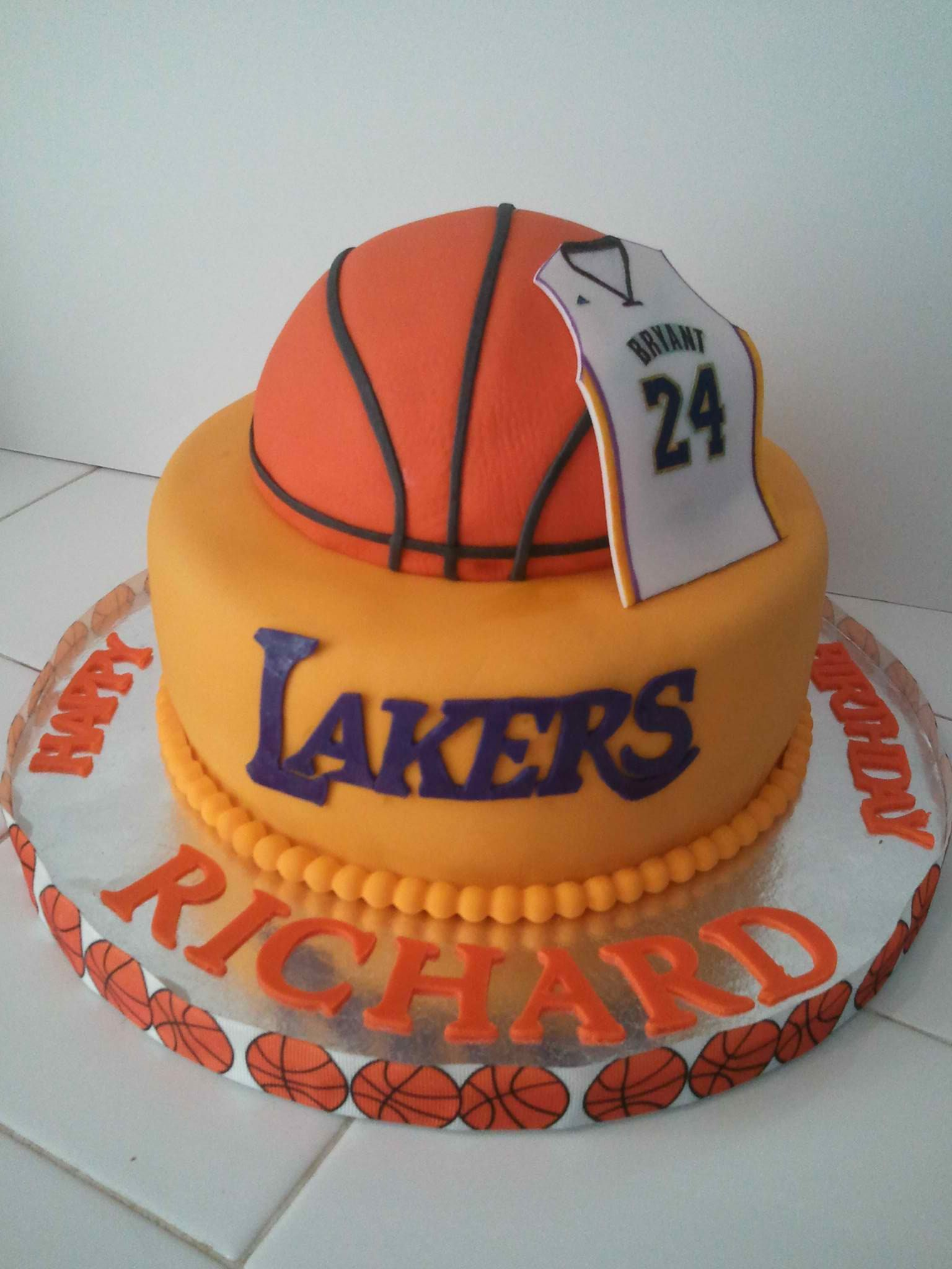 Stupendous Lakers Cake With Images Basketball Birthday Cake Basketball Funny Birthday Cards Online Unhofree Goldxyz