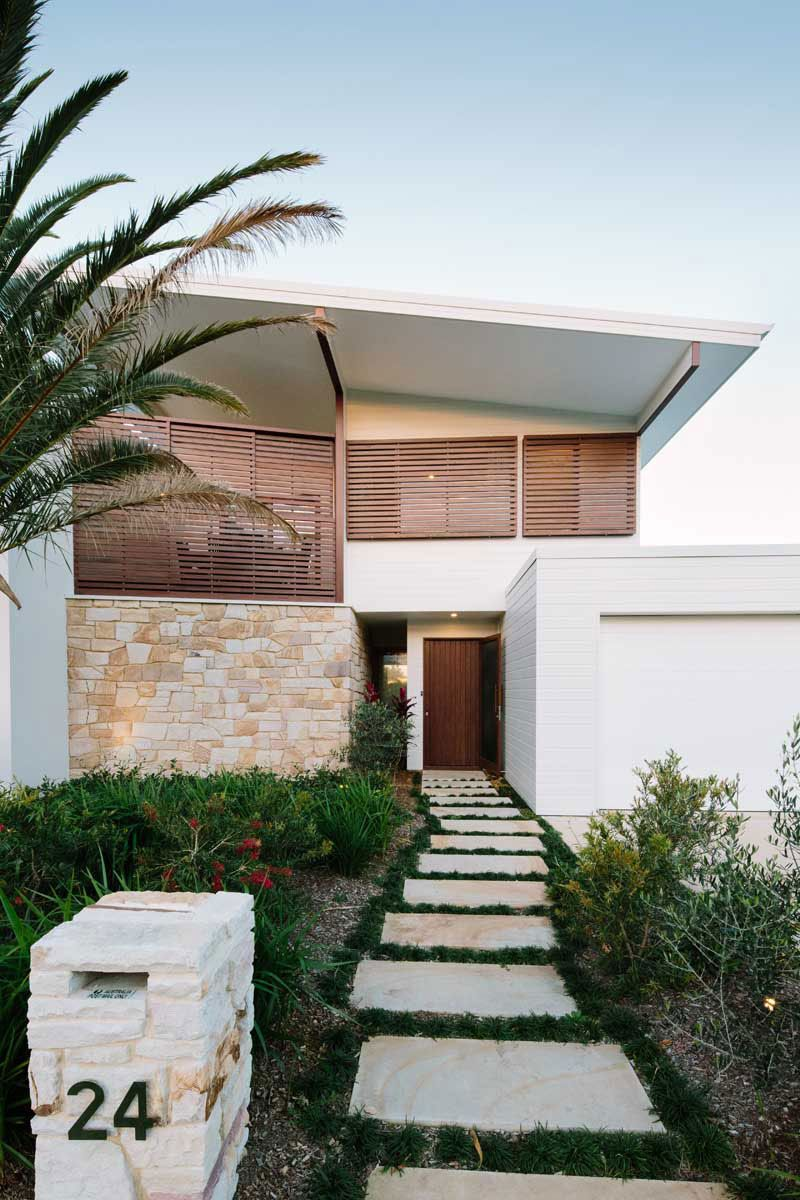 Byron Bay Beach Home Is A Residential Project Completed By Davis - Byron bay beach home designed by davis architects