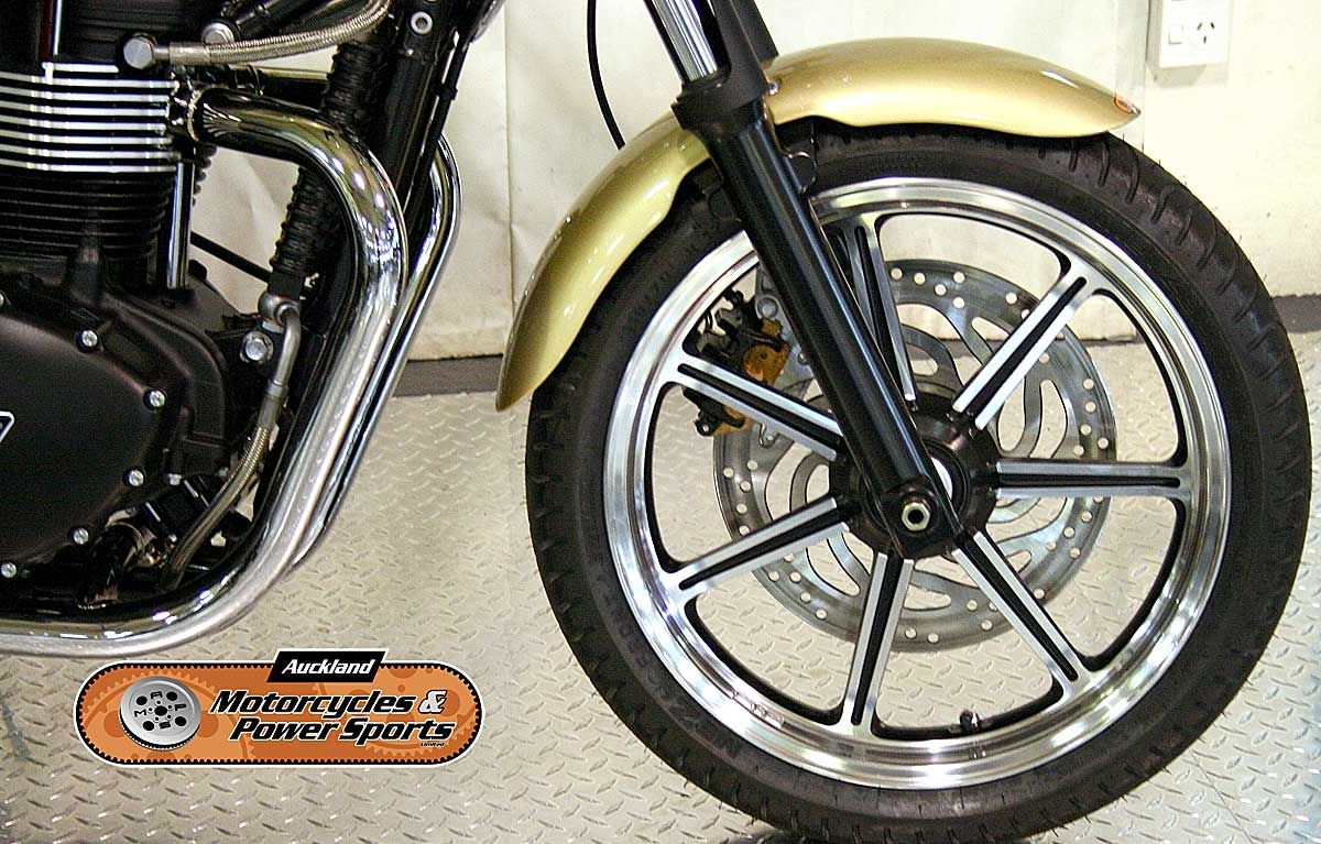 2012 TRIUMPH BONNEVILLE in Gold At Auckland Motorcycles