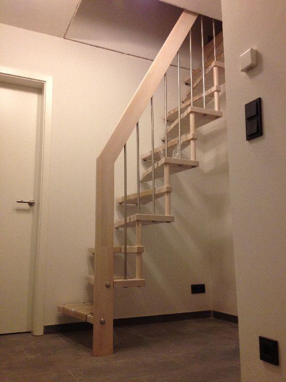 treppe ins dachgeschoss monitert wohnung in 2019. Black Bedroom Furniture Sets. Home Design Ideas
