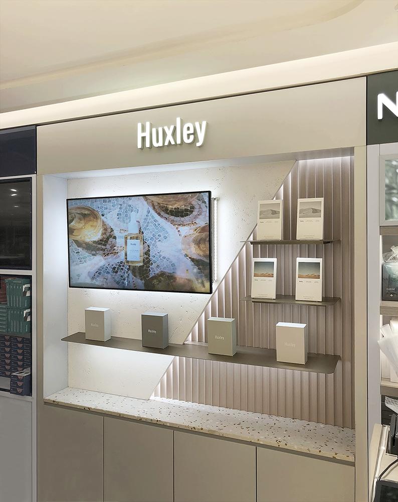 Popular Interior Design For Tv Showcase: Huxley Sogong Lotte DFS, Design By Mm #디자인밀리미터 #Designmm