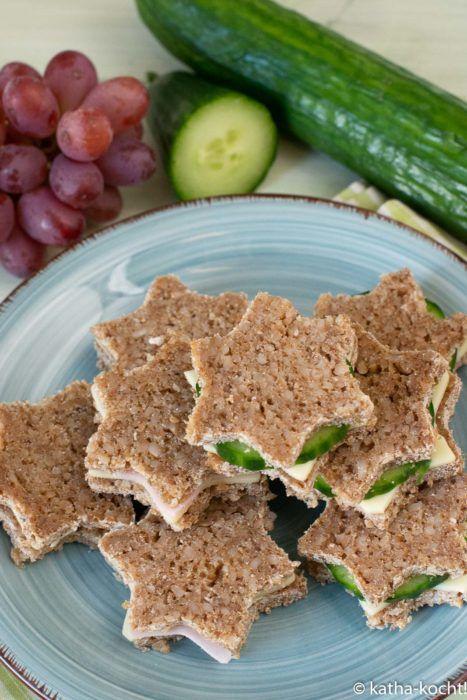 schnelle brotsterne mit k se und wurst kindergeburtstag essen fingerfood gesunde h ppchen und