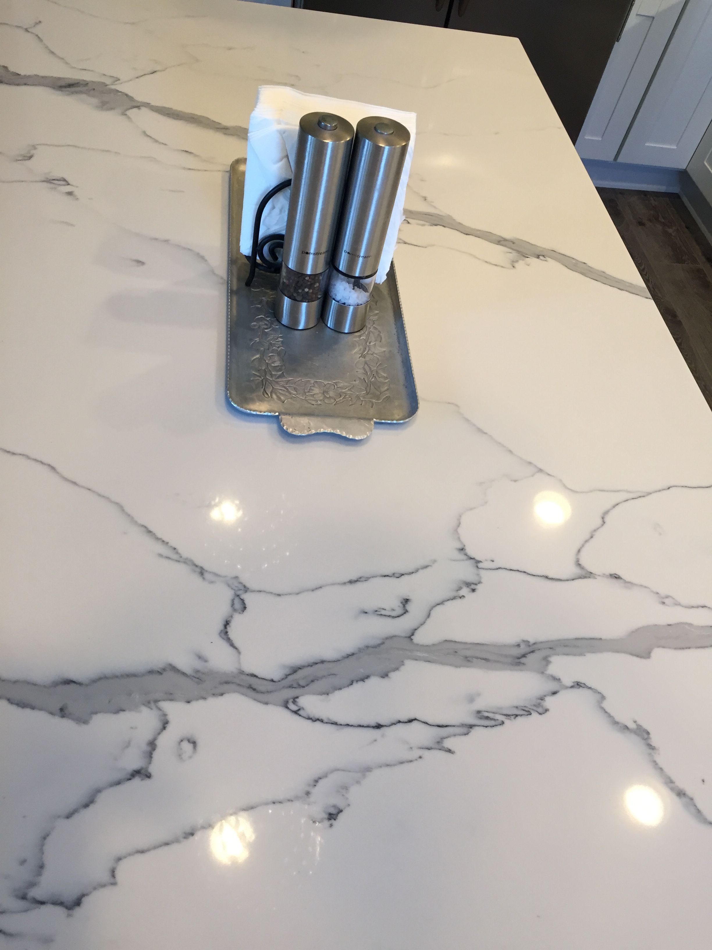 daltile white statuario quartz looks just like marble home decor concrete kitchen quartz. Black Bedroom Furniture Sets. Home Design Ideas