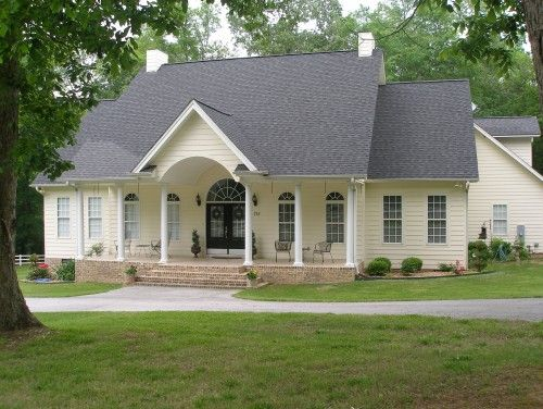 Need Siding For The House Thinking Of Pale Yellow I Like This Yellow House Exterior Home Exterior Makeover House Paint Exterior
