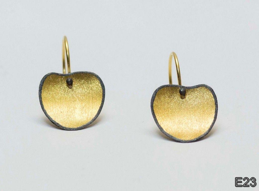 Sarina Beza earrings
