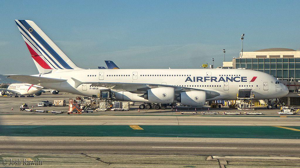 Air France A380800 FHPJA 20160220 LAX Air france