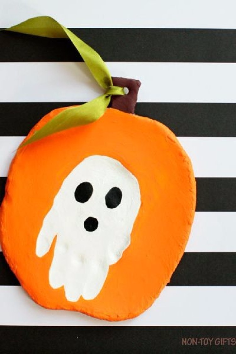 35+ Easy Halloween Crafts for Kids Halloween crafts for