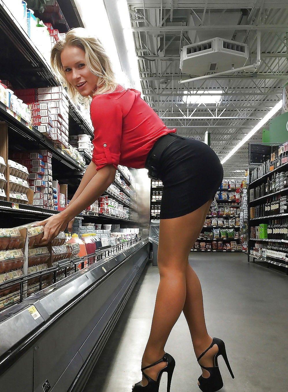 Upskirt supermarket milf mom 8 awsome