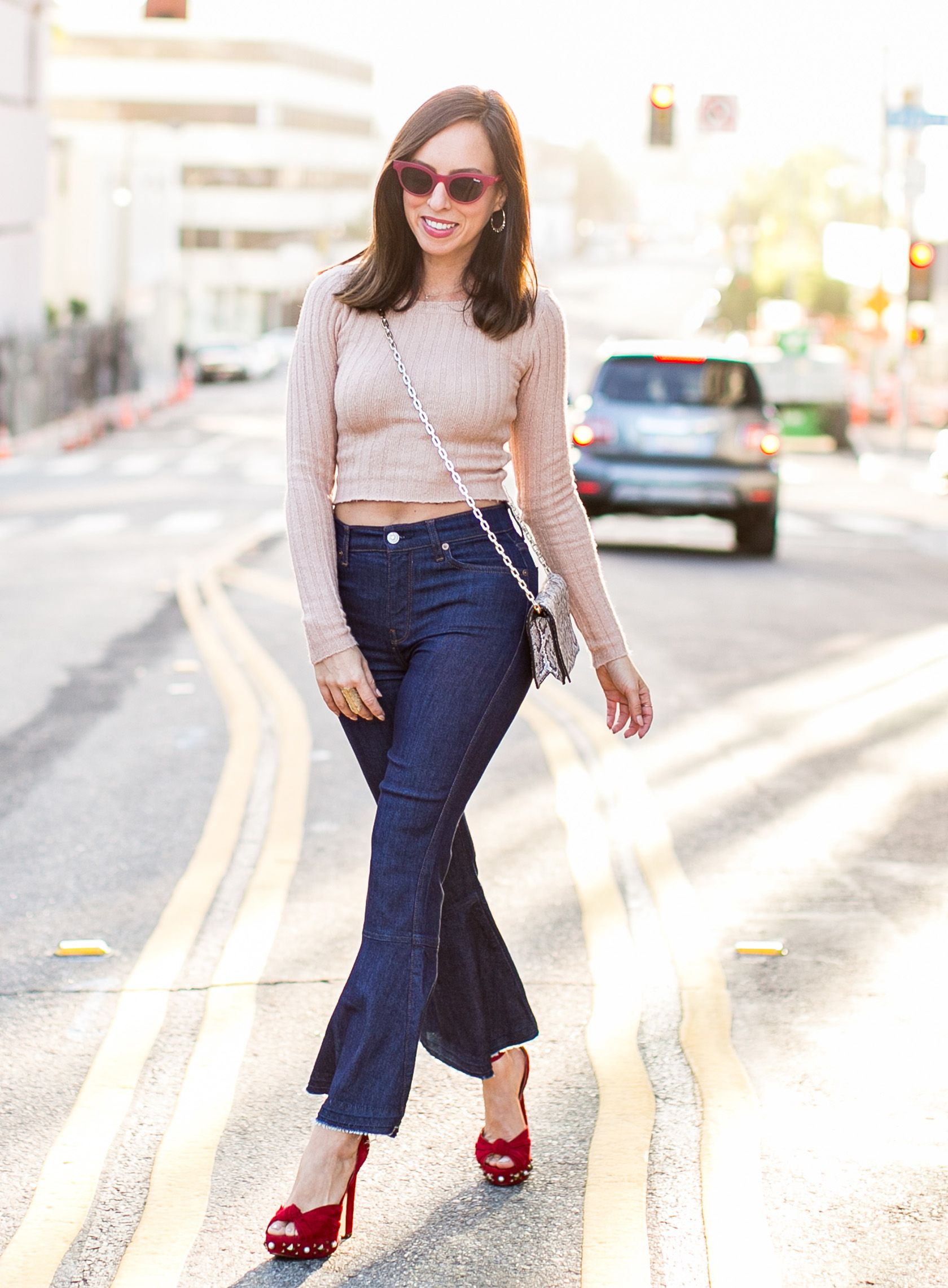 ... brand new 9fd4f 78ca2 Sydne Style shows how to wear a crop top in  forever 21 ... ba81577142