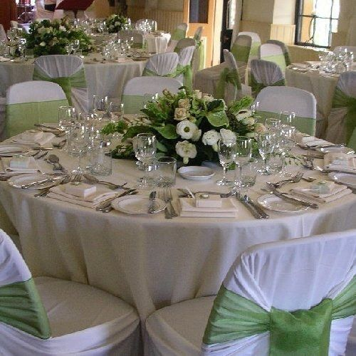 id es de d coration de mariage vert blanc table. Black Bedroom Furniture Sets. Home Design Ideas